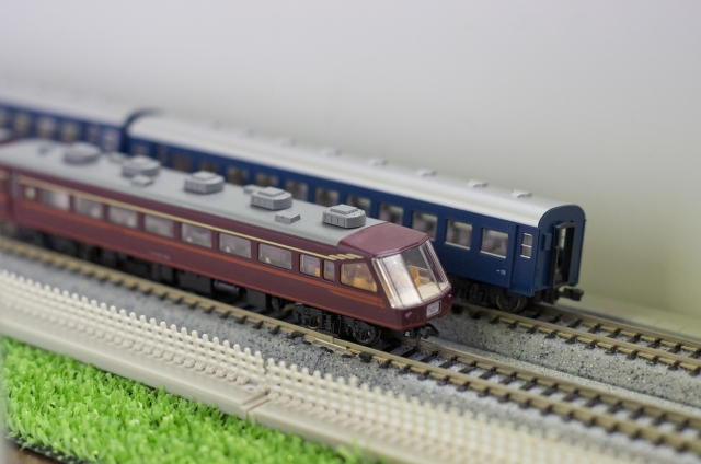 年齢層が高くて情報収集と拡散をしない? -鉄道模型市場-(1)